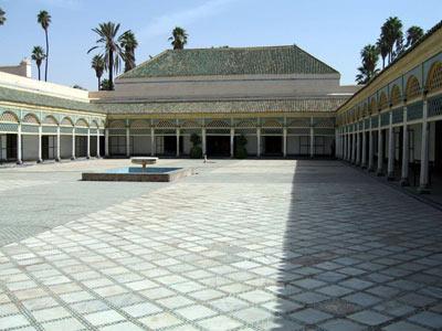 Riad piscine marrakech visite bahia marrakech for Construction piscine marrakech